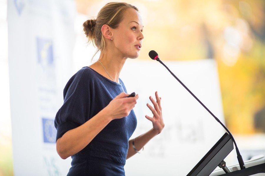 Come migliorare la voce: 5 segreti per parlare meglio