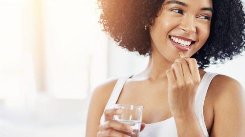 Integratori capelli per donna: i 5 migliori del 2021