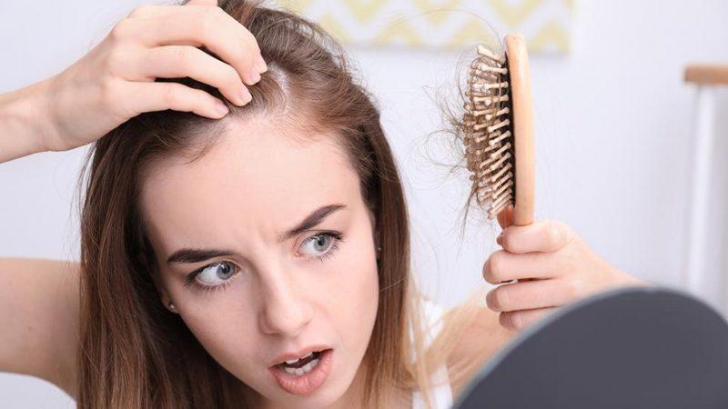 Perdita dei capelli nelle donne: cause e rimedi efficaci