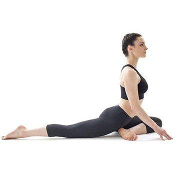 posizione yoga per gambe e glutei tonici