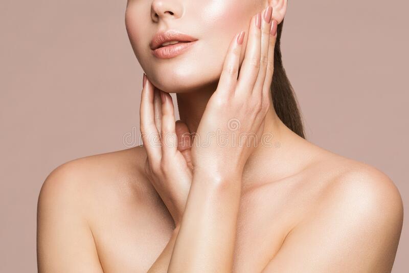 Acido ialuronico per il viso: a cosa serve e come si applica